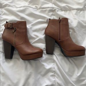 NWT Material Girl Heels